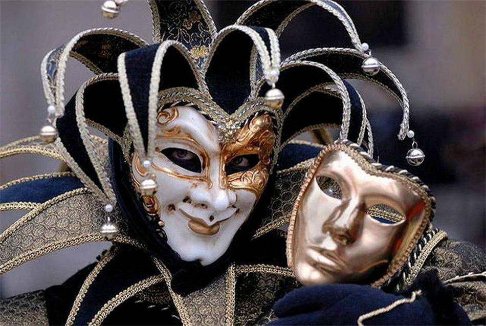 личность маски